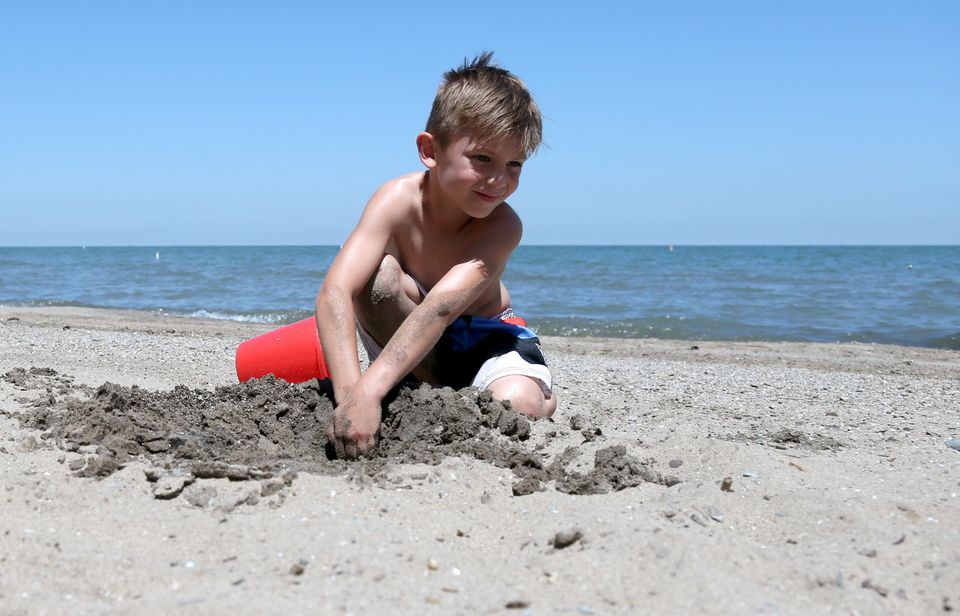 How to Deal with Kids at the Beach