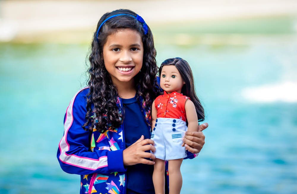 Reese and Nanea (The Hawaiian American Girl Doll) Explore Oahu
