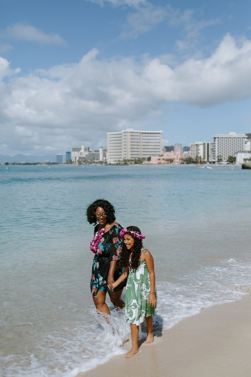 Hire A Travel Photographer, Flytographer, Oahu, Hawaii, Courtney Blacher, Travel Blogger, World In Four Days, Black Travel Blogger