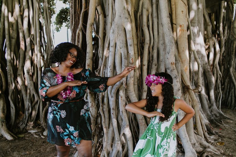 Hire A Travel Photographer, Hula Dancing in Oahu, Flytographer