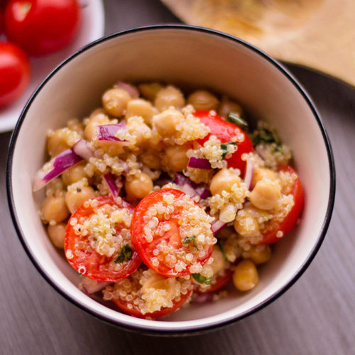Summer BBQ Side Dish – The Best Quinoa Chickpea Salad